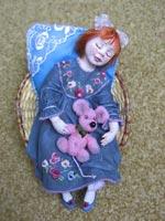 паперклей, роспись акрилом, волосы из натурального мохера, ручная вышивка, 17x11x8, мышка 5х3, 2007 г.