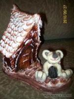 медвежонок - мохер; домик - холодные пластики японской фирмы Падико, высота домика 16 см, 2010